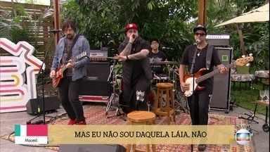 Charlie Brown Jr abre o 'É de Casa' - A banda canta o sucesso 'Zóio de Lula'