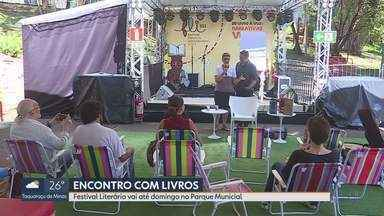 """Festival Literário Internacional de Belo Horizonte é realizado no Parque Municipal - Com tema """"Do livro a voz: narrativas vivas"""", evento vai até domingo (29)."""