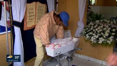 Justiça determina a prisão temporária do suspeito de ter matado a própria sobrinha - Bebê Ágata Lorena, em Altinho, no agreste, foi enterrada ontem no dia em que completaria 9 meses de vida.