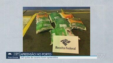 Cães farejadores localizam 240 kg de cocaína em carga de açúcar no Porto de Santos - Drogas seriam transportadas até o porto de Antuérpia, na Bélgica.