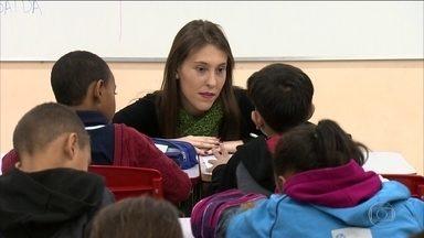 Programa ajuda crianças que sofrem violência doméstica - Professores e funcionários de escolas públicas, no interior de São Paulo, são treinados para identificar agressão física e psicológica.