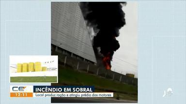 Incêndio atinge prédio de empresa de ração em Sobral - Saiba mais no g1.com.br/ce