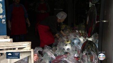 Festa de Cosme e Damião distribui brinquedos e lanches no Cambuci - Evento tradicional na região vai até as 20h na rua Luís Gama.