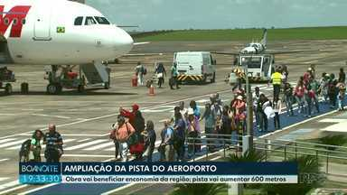 Aeroporto de Foz recebe liberação para ampliar a pista de pousos e decolagens. - Obra vai beneficiar economia da região; pista vai aumentar 600 metros.