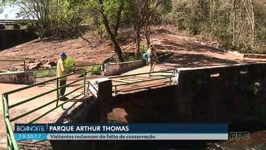 Parque Arthur Thomas sofre com a falta de conservação - Local sofreu com as chuvas fortes de 2016 em Londrina e até agora tem problemas na estrutura