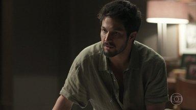 Marcos revela a Alberto que a farsa do vídeo contra Paloma acabou - Alberto recusa o tratamento médico