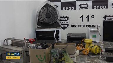 Receptadores de itens furtados de escola são presos - Diretoras da instituição reconheceram produtos encontrados com casal na Cidade Industrial de Curitiba.