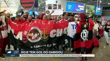 Torcida rubro-negra embarca para Porto Alegre - Flamengo e Grêmio disputam hoje semifinal da Libertadores