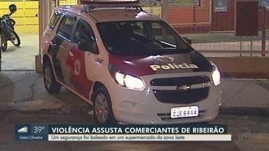 Comerciantes reclamam de insegurança da zona Leste de Ribeirão Preto - Nesta terça-feira (1º), vigilante foi baleado em tentativa de assalto a supermercado no Parque Residencial Cândido Portinari.