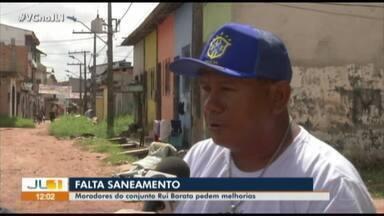 Moradores reclamam da falta de saneamento na rua Rui Barata, em Belém - Moradores reclamam da falta de saneamento na rua Rui Barata, em Belém