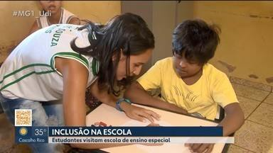 Estudantes visitam escola de ensino especial em Ituiutaba - O objetivo é que haja socialização entre os alunos, já que após o término do 9º ano muitos seguem o ano letivo em escolas regulares.