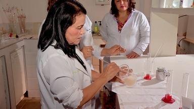 Pesquisadoras da UECE criam uma pomada cicatrizante a partir da água de coco - Pó da água de coco serve como matéria prima de pomada utilizada para cuidar de cicatrizes e queimaduras.
