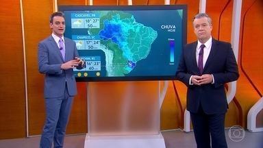 Chuva se intensifica no sul da Bahia nesta sexta-feira - O dia será quente no Centro-Norte do Brasil. Veja a previsão do tempo para todo o país.