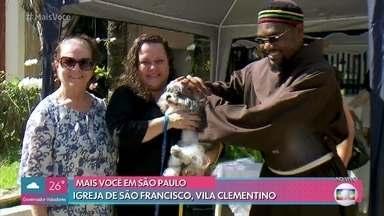 4 de outubro é o dia de São Francisdo de Assis, padroeiro dos animais - Cauê Fabiano visita igreja de São Francisco na Vila Clementino e acompanha a tradicional bênção aos animais