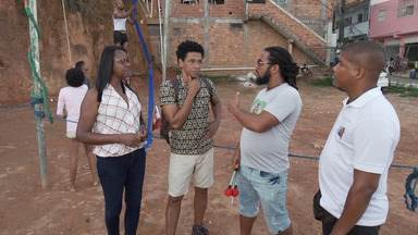Em Saramandaia, Aldri conhece um projeto que ensina arte e esporte aos jovens - Em Saramandaia, Aldri conhece um projeto que ensina arte e esporte aos jovens