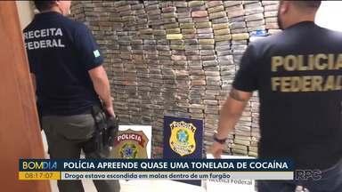 Quase uma tonelada de cocaína é apreendida em São José dos Pinhais - A droga estava escondida em malas dentro de um furgão.