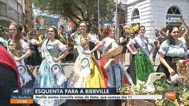 Público se prepara para 'Bierville' em Joinville - Público se prepara para 'Bierville' em Joinville