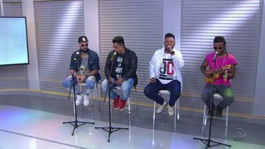 Grupo Sambô se apresenta em Portão neste sábado (6) - Grupo se apresenta no estúdio do Jornal do Almoço.