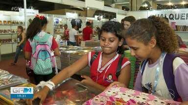 Bienal Internacional do Livro foi realizada em Olinda - A maior feira literária do nordeste esse ano tem cem expositores cheios de novidades.