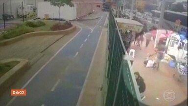 Tentativa de homicídio deixa seis pessoas baleadas no Centro de SP - A polícia tenta identificar o atirador. Neste domingo, seis pessoas foram baleadas durante um tumulto no Brás, São Paulo. O caso foi registrado como tentativa de homicídio simples.