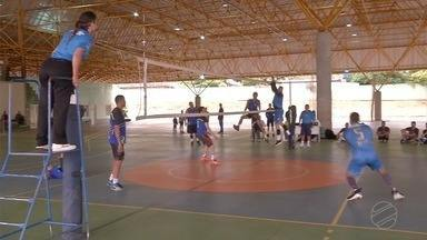 Competição na Capital resgata origem do vôlei de rua - Competição na Capital resgata origem do vôlei de rua