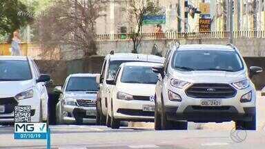 Mais de 15 mil veículos estão sem licenciamento em Juiz de Fora - Contribuintes que perderam prazo têm duas alternativas para quitar débito e estão sujeitos a multas.