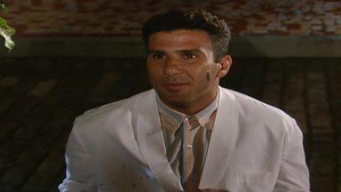 Capítulo de 18/11/1995 - Dara diz a Igor que não quer casar com ele. Edu vai ao barzinho, mas não tem coragem de falar com Yone. Jairo e Mio vão ao prédio de Serginho.