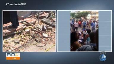 Perigo: desabamento de marquise deixa treze pessoas feridas em Candeias - Segundo a Defesa Civil, moradores e professores estavam em cima da estrutura vendo um desfile, quando houve o acidente.