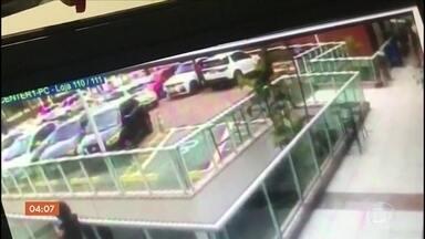 Câmeras registram tentativa de assassinato de filha de bicheiro no RJ - Shana Garcia é filha de Waldomiro Paes Garcia, o Maninho. Polícia acredita que crime foi premeditado.