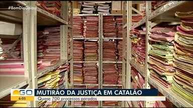 Mutirão tenta agilizar o andamento de processos no Fórum de Catalão - Juízes de cidades vizinhas ajudam a analisar as peças.