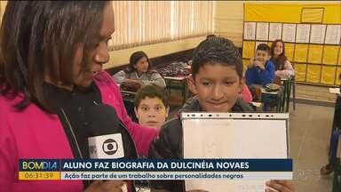 Dulcinéia Novaes é homenageada em trabalho de escola - Gabriel, um dos estudantes, escolha a repórter para trabalho que ressaltava personalidades afro-descendentes.