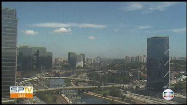 São Paulo tem previsão de chuva isolada para esta sexta (11) - Temperatura máxima subiu para 27°C nesta quinta (10).