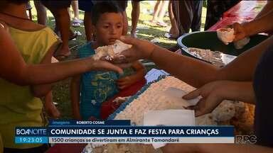 Comunidade se une e faz festa para 1.500 crianças - A diversão foi em Almirante Tamandaré.