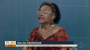 RJ1 tem convidado especial para homenagear nossos mestres - É a professora aposentada Flavia de Jesus que dedicou 40 anos da vida para ensinar crianças e adolescentes.