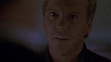Das 4h às 5h da Manhã - Jack tenta extrair informações sobre a filha de um dos conspiradores. David confronta a repórter, que o ameaça.