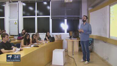 Estudantes de pedagogia contam como pretendem encarar a profissão - EPTV exibe série especial de reportagens em comemoração ao Dia dos Professores.