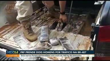 Traficantes escondiam drogas em fundo falso de caminhonete - Dois homens foram presos na BR-487 com 141 quilos de maconha.