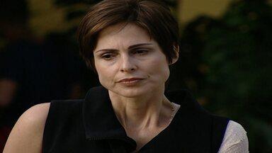 Capítulo de 29/05/1998 - Sandrinha conta para Alexandre que Clementino matou sua mãe. Clementino é recebido friamente em casa. Clementino decide tentar arranjar emprego no shopping.