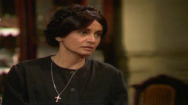 Capítulo de 15/08/1989 - Ascânio decide ficar em Santana do Agreste e leva Helena com ele. Passa-se um ano. Timóteo usa o cheque de Tieta para saldar sua dívida no banco, mas Perpétua descobre.