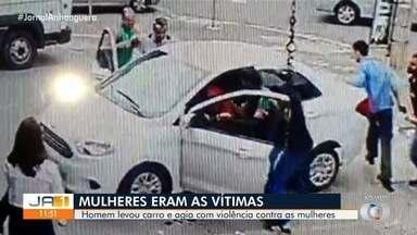 Homem é preso suspeito de roubar dois carros e arrastar pessoas que tentaram impedir crime - Vídeos mostram quando homem aborda as vítimas, todas mulheres. Quando outras pessoas tentam segurá-lo, ele arranca com o carro e foge.