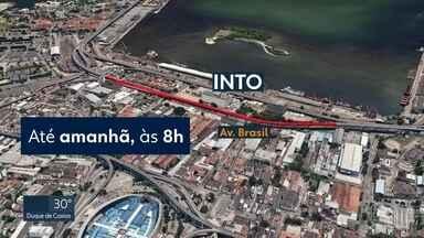 Avenida Brasil tem mudanças no trânsito - CET-Rio vai interditar trechos da avenida para obras do BRT Transbrasil.