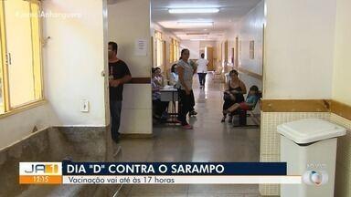 Goiás tem mais de 900 postos de vacinação no Dia D contra o sarampo - Pais e responsáveis devem levar às unidades as crianças de seis meses a menores de cinco anos de idade. Só em Goiânia e Aparecida de Goiânia, ao todo, serão 100 postos funcionando neste sábado; veja a lista.