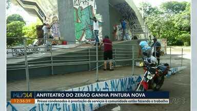 Presos condenados à prestação de serviços à comunidade estão pintando anfiteatro do Zerão - A ação é uma parceria entre o Patronato Penitenciário e a CMTU.