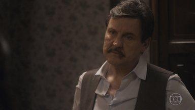 Júlio acusa Lola de ser pessimista e puxá-lo para baixo - Depois de uma conversa dura, ela diz que não vai deixá-lo vender a casa