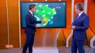Previsão é de chuva forte no norte de MG nesta quarta-feira - Chove também em algumas cidades do sul da Bahia.