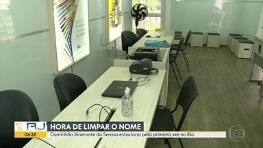 Caminhão itinerante do Serasa estaciona no Rio pela primeira vez - Consumidores podem tirar dúvidas sobre dívidas.