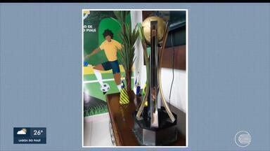 Taça do time campeão da Série B do Campeonato Piauiense é revelada - Taça do time campeão da Série B do Campeonato Piauiense é revelada