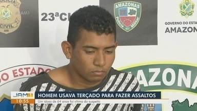 Em Manaus, homem é preso suspeito de assaltar pessoas usando terçado - Um idoso de 64 anos foi vítima do suspeito.