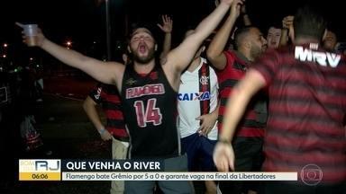 Torcida do Flamengo festeja vitória que garantiu vaga na final da Libertadores - A torcida do Flamengo viveu uma quarta-feira (23) histórica para o time, foram 5 gols contra do Grêmio que garantiu uma vaga na final da Taça Libertadores.