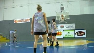 Catanduva encara Santo André pelo Paulista de basquete feminino - Catanduva joga contra o Santo André no returno do Campeonato Paulista de Basquete.